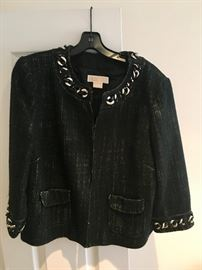 Beautiful clothes in excellent condition