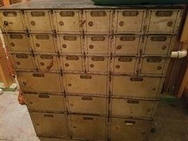 Safety deposit box safe from Nebraska bank with all keys