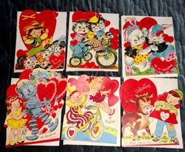 Vintage large size Valentine cards with envelopes - unused!