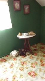 EASTLAKE MARBLE TOP VICTORIAN TABLE WITH CHAMBER POT