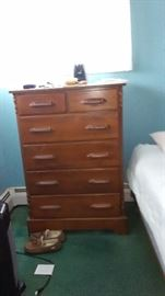 MAPLE CHEST OR DRAWERS