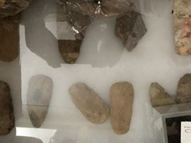 Indian arrowheads and spearhead's including some good ones
