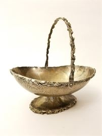 Plateria Alameda Mexican Sterling Silver Basket http://www.ctonlineauctions.com/detail.asp?id=703720