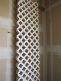 11 Pieces Of White Plastic Lattice