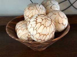 Decorative fiber balls.