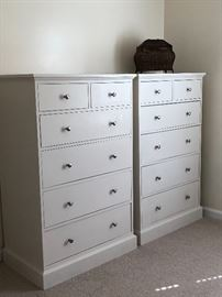 Matching white chested drawers