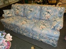 Ethan Allen Traditional Classics, quilted