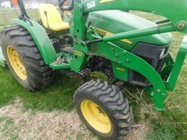 4105 Deere tractor  and bucket