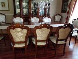 ITALIAN DINING ROOM