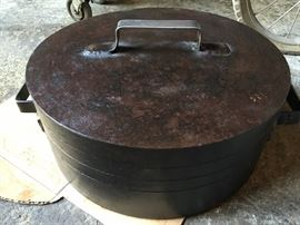 Handmade Commercial Pot with Lid & Fryer  Basket. Solid Cast Iron