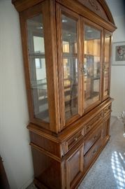 Complete Broyhill dining room suite