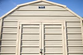 Insulated portable building in excellent condition. Ready to move.