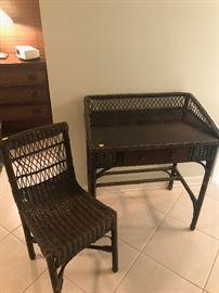 wickwer desk & chair