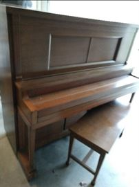 Working Waltham player piano