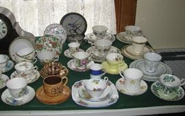 Tea cups/luncheon sets