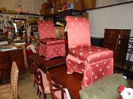 bedroom sets, dining sets, sofas, leather recliners, housewares, antiques, silver, collectibles