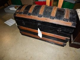 bedroom sets, dining sets, sofas, leather recliners, housewares, antiques, silver, collectibles, antique trunks