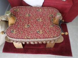 Camel Bench