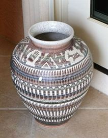 DECORATIVE  LARGE PLANTER
