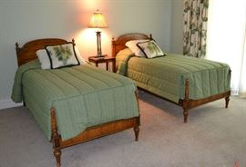 TWIN BED SET WITH CUSTOM SPREADS