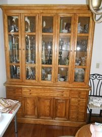 Solid wood 2-piece bubble glass front china cabinet