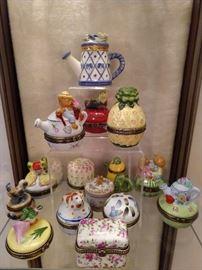 Porcelain lidded box collection.