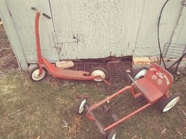 VINTAGE A.M.F. JUNIOR SCAT CAR & SCOOTER - CIRCA 1950'S