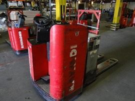 Raymond Electric Ride On Pallet Jack, Model