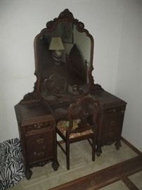 Sligh furniture vanity and chair