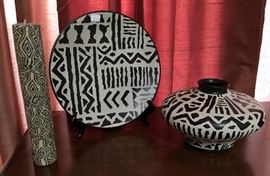 BLACK & WHITE DECOR PLATE, VASE, AND CANDLE