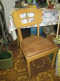 There are 3 other chairs and a table for this set, we will be updating pictures