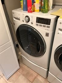 LG washer with pedistal