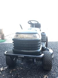 Craftman LT1000 Riding Lawnmower          https://www.ctbids.com/#!/description/share/17343