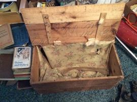 ANTIQUE DOPP BROTHERS OF MT. CLEMENS CRATE.