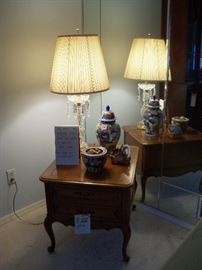 table with drawer, crystal lamp and misc