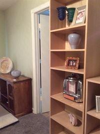 Blond book shelf (maple)