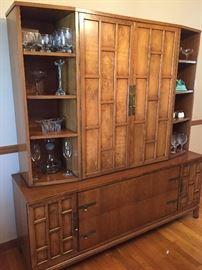 Sweet china cabinet