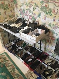 ladies shoes, retro phones