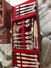 Antique 1847 Rogers Bros XS Xharter Oak Triple Acorn silverware in unique case