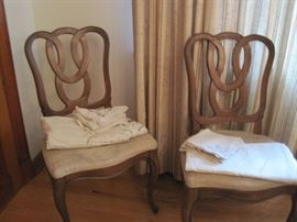 chairs set of 10 & linens