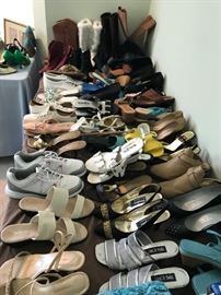 Over 100 Ladies Shoe Pairs- Almost all Size 6