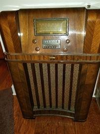 Early Knight console radio