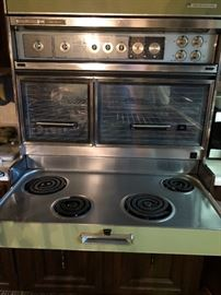 1964 Frigidaire Flair Stove, in excellent condition.
