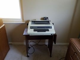 electronic typewriter