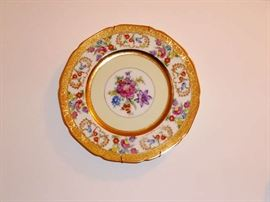 Set of 6 Meito Floral Porcelain Dinner Plates with 22 Carat Gold Decoration