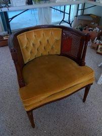 Very retro gold velvet accent chair $45
