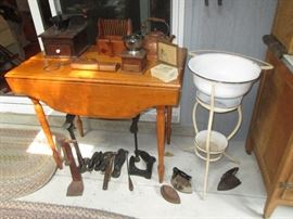 Nice small drop leaf table and small primitives