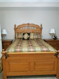 Queen Bed - Everything as a unit 5PC Set