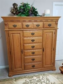 Queen Bed, Night Stand, Armoire, Dresser, Chest of Drawers, Everything as a unit 5PC Set