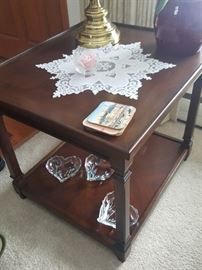Living room end table that matches the coffee table.